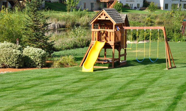 10 Coolest Backyard Design with Playground