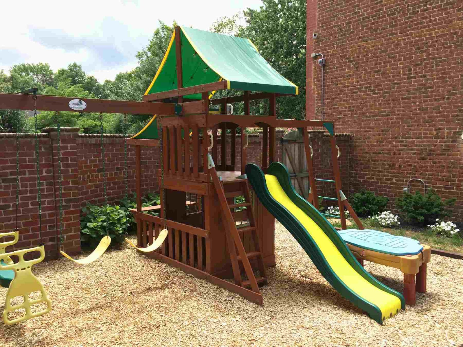 Fun Outdoor Play Areas that will Keep your Kids Entertained all summer