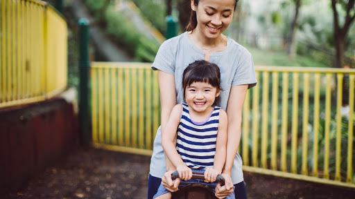 Play Helps Your Kids Become Smart and Happy