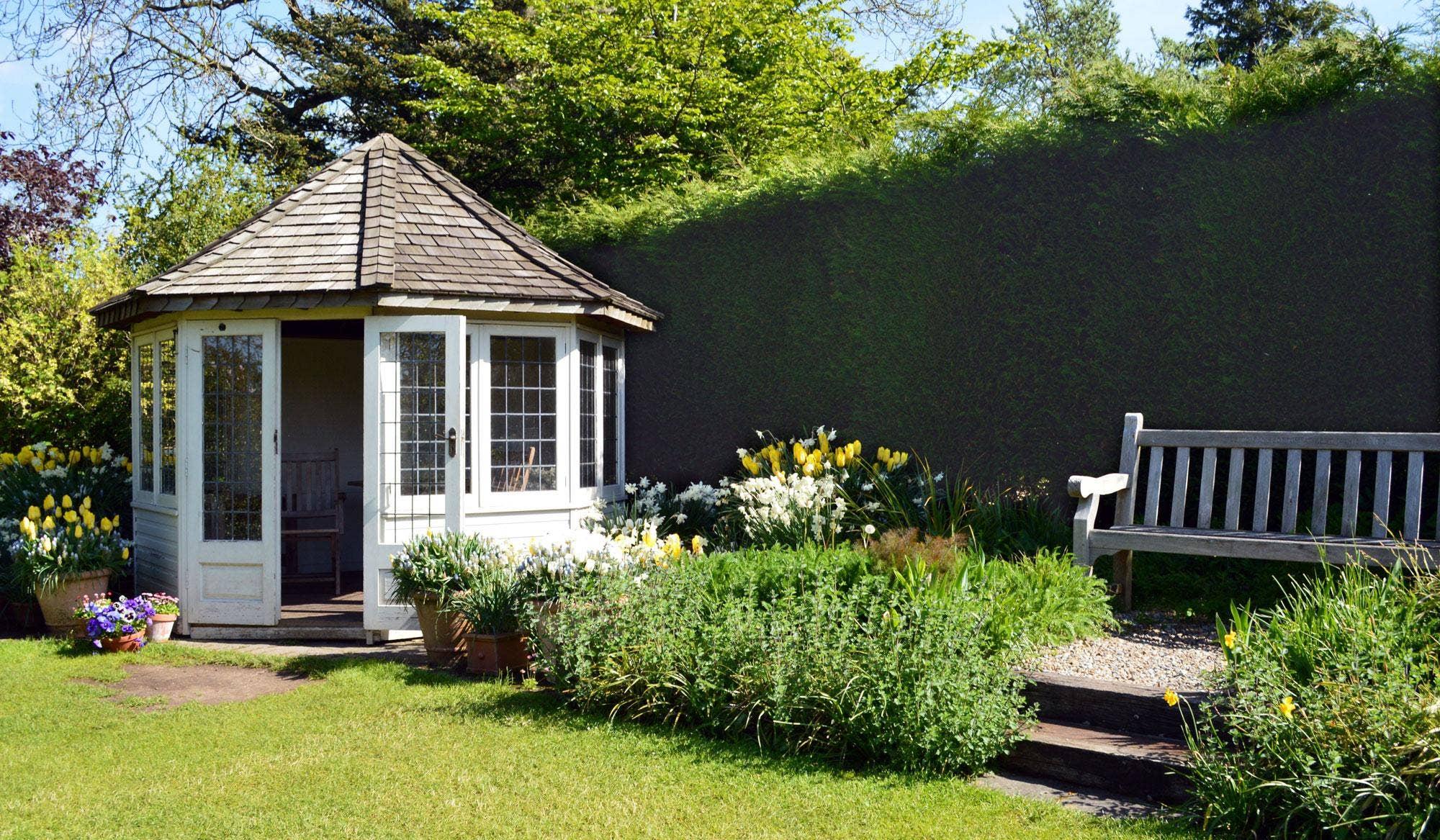 Garden Shed Ideas for Small Home Gardens