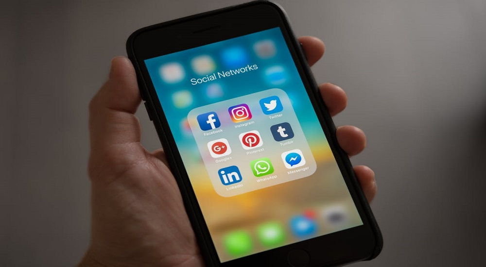 How social media has taken over your life